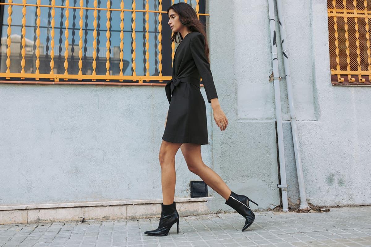 Vestido cruzado gris de moda sostenible hecha en España por IO DREAMS