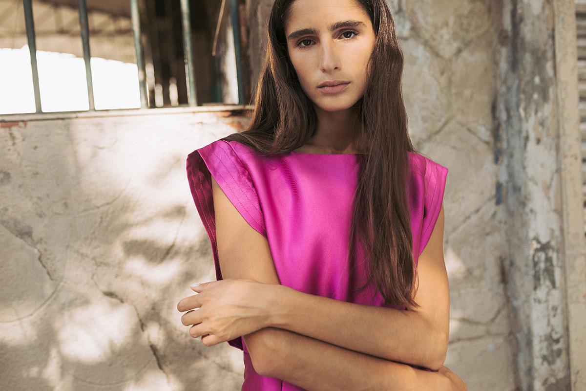 Vestido rosa fucsia de cupro 100%, moda sostenible, de IO DREAMS