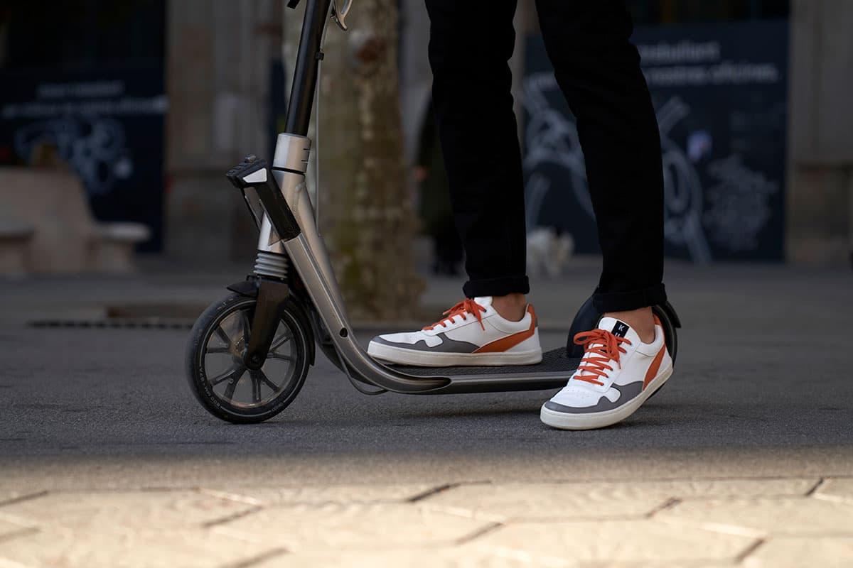Zapatillas sneakers veganas realizadas mediante economía circular