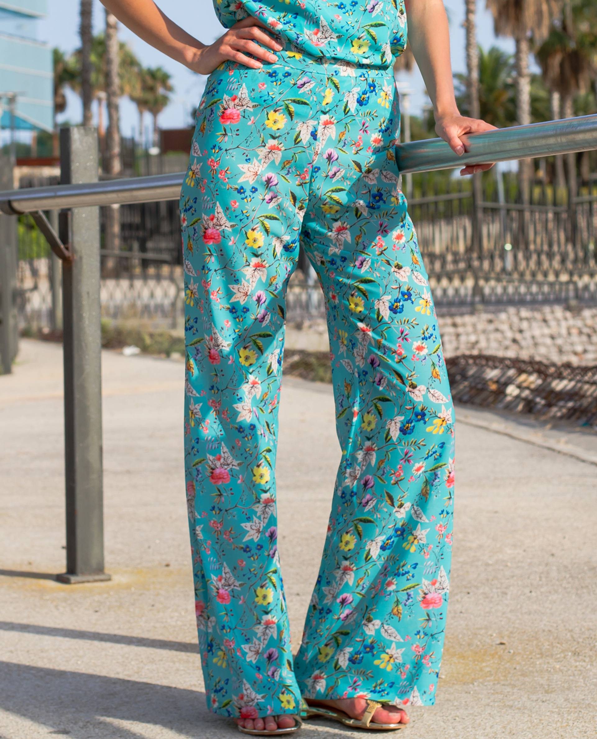 PRÊT À PORTER-OUTLET CÁPSULA SS18 - PANTALONES - Pantalón Rodas estampado azul