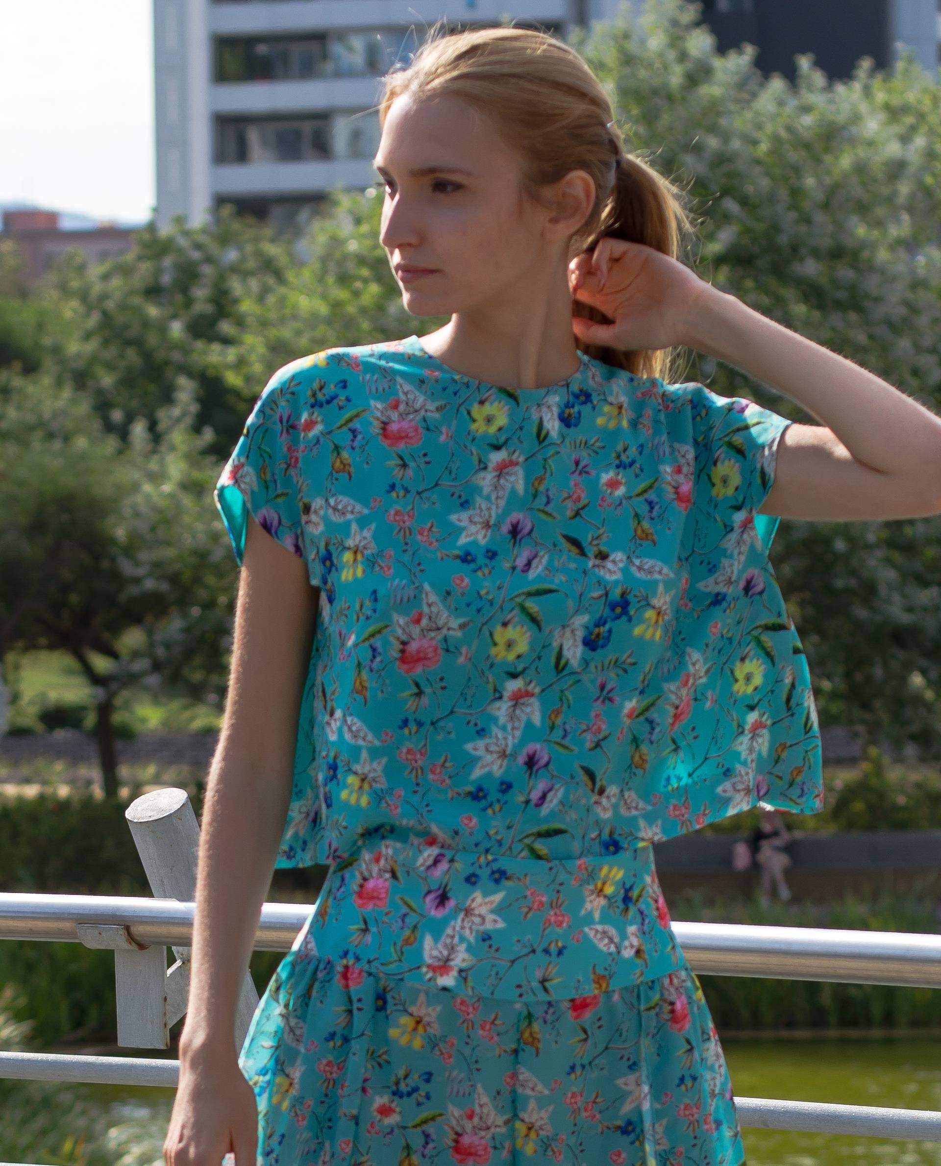 PRÊT À PORTER-OUTLET CÁPSULA SS18 - TOPS - Blusa de georgette print floral azul