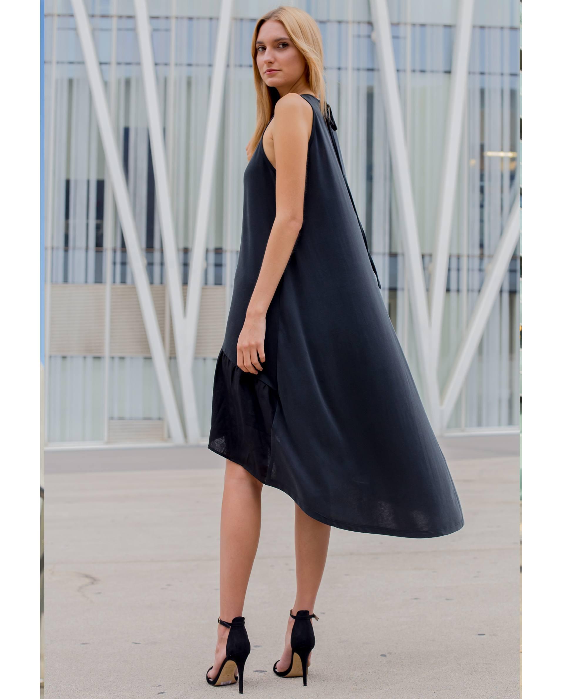 PRÊT À PORTER-SPRING/SUMMER 2018 - VESTIDOS - Vestido negro de viscosa asimétrico
