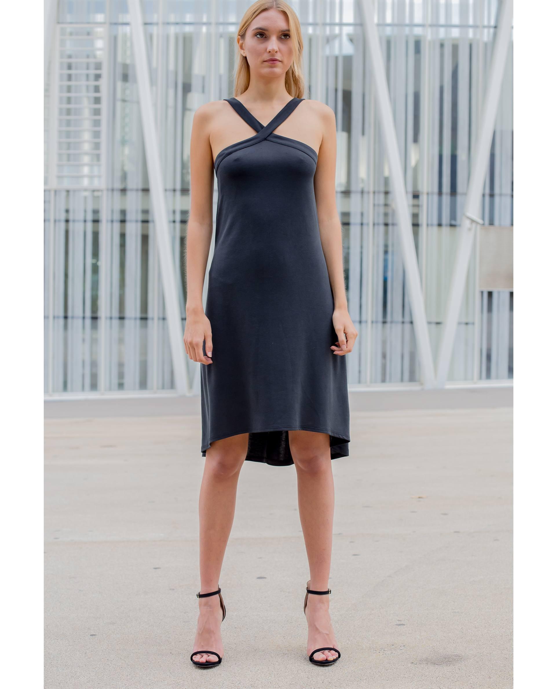 Vestido negro de modal viscosa