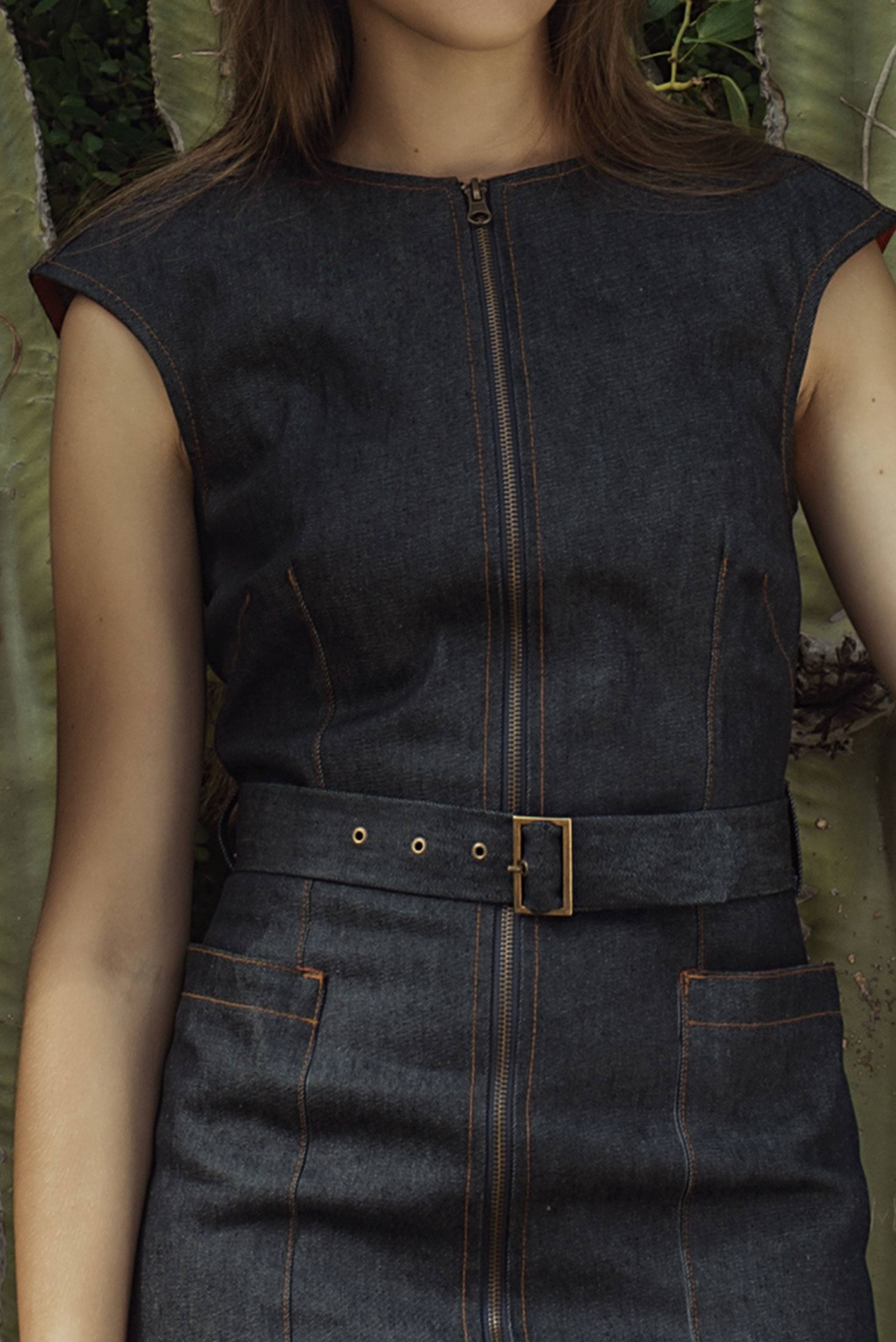 Detalle vestido tejano Adara
