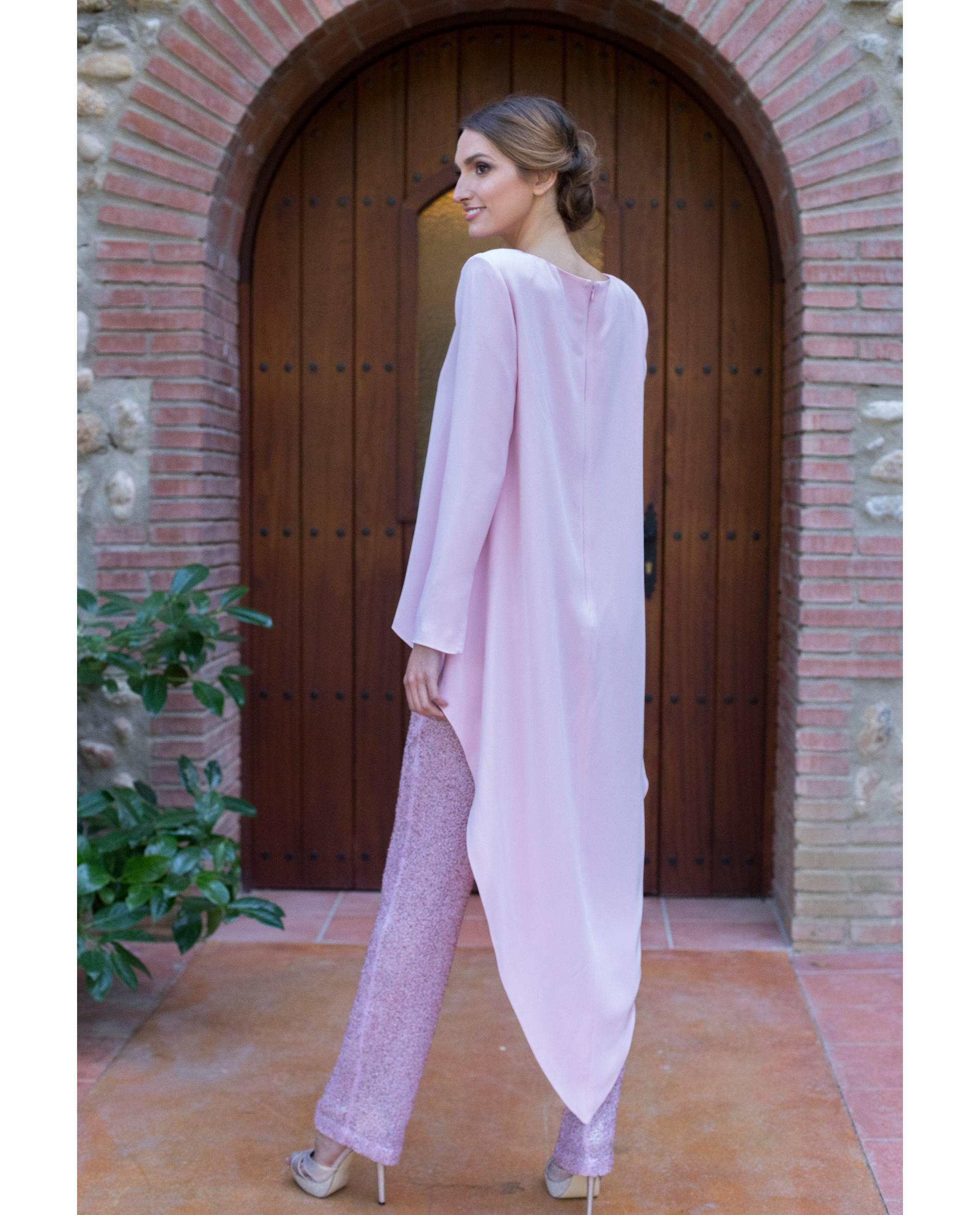 Blusa de fiesta Andra rosa con pantalón brillo