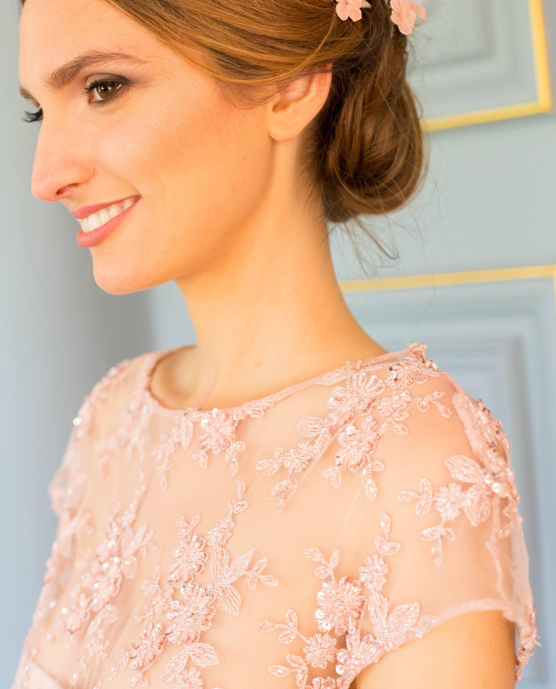 Detalle vestido CAROLA rosa palo