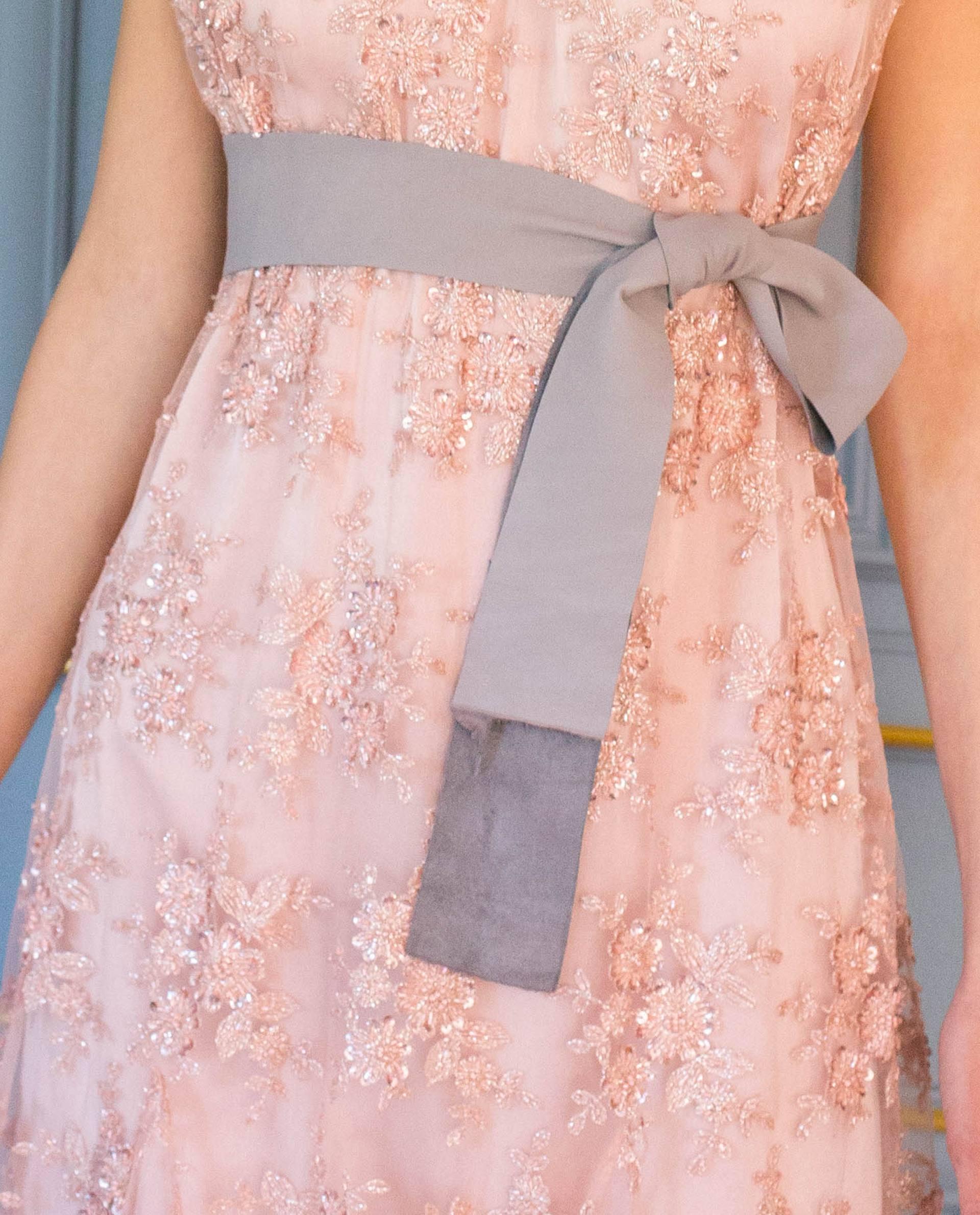 Detalle vestido LUCIE rosa palo