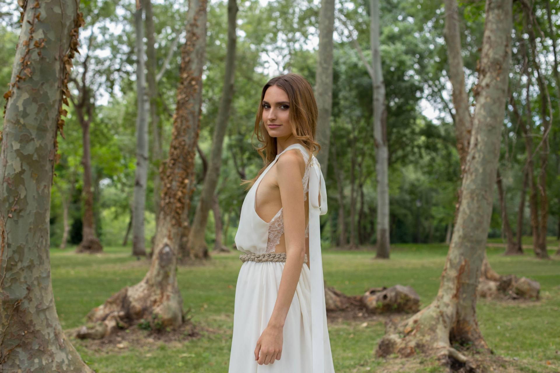 Detalle lateral cuerpo vestido de novia Ángela