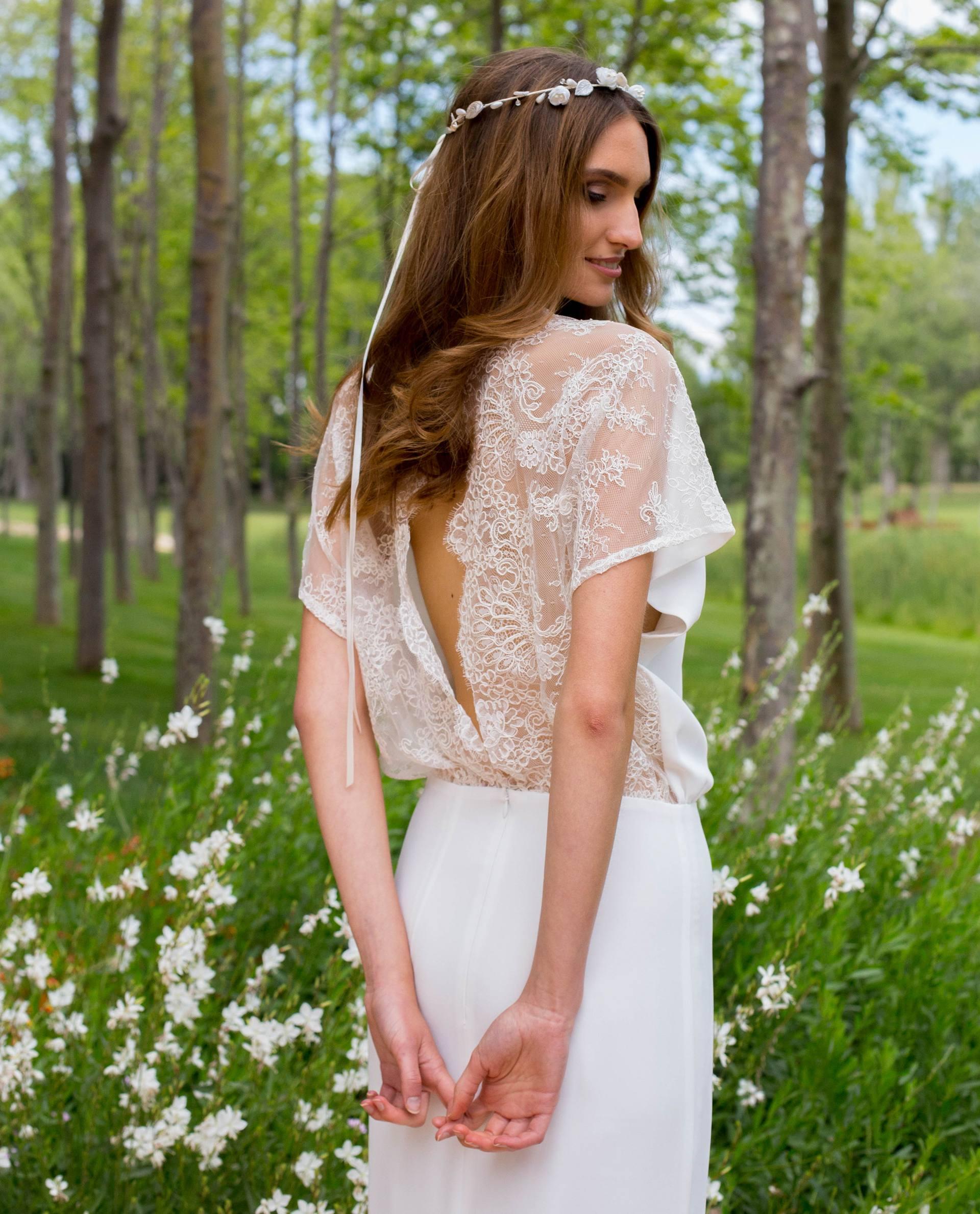 Detalle espalda abierta con encaje vestido novia Verónica
