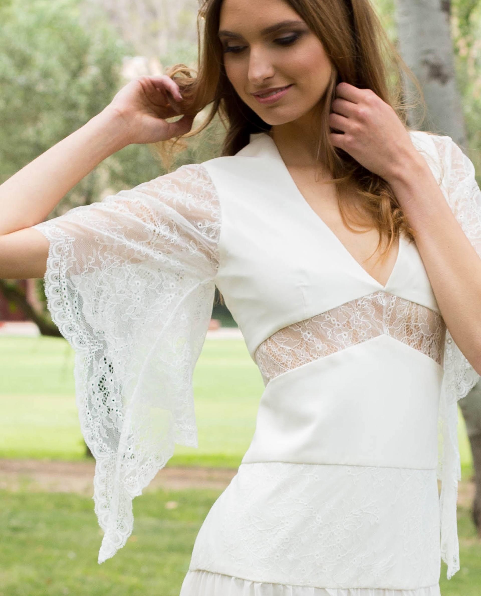 Detalle de manga corta vestido de novia Suri