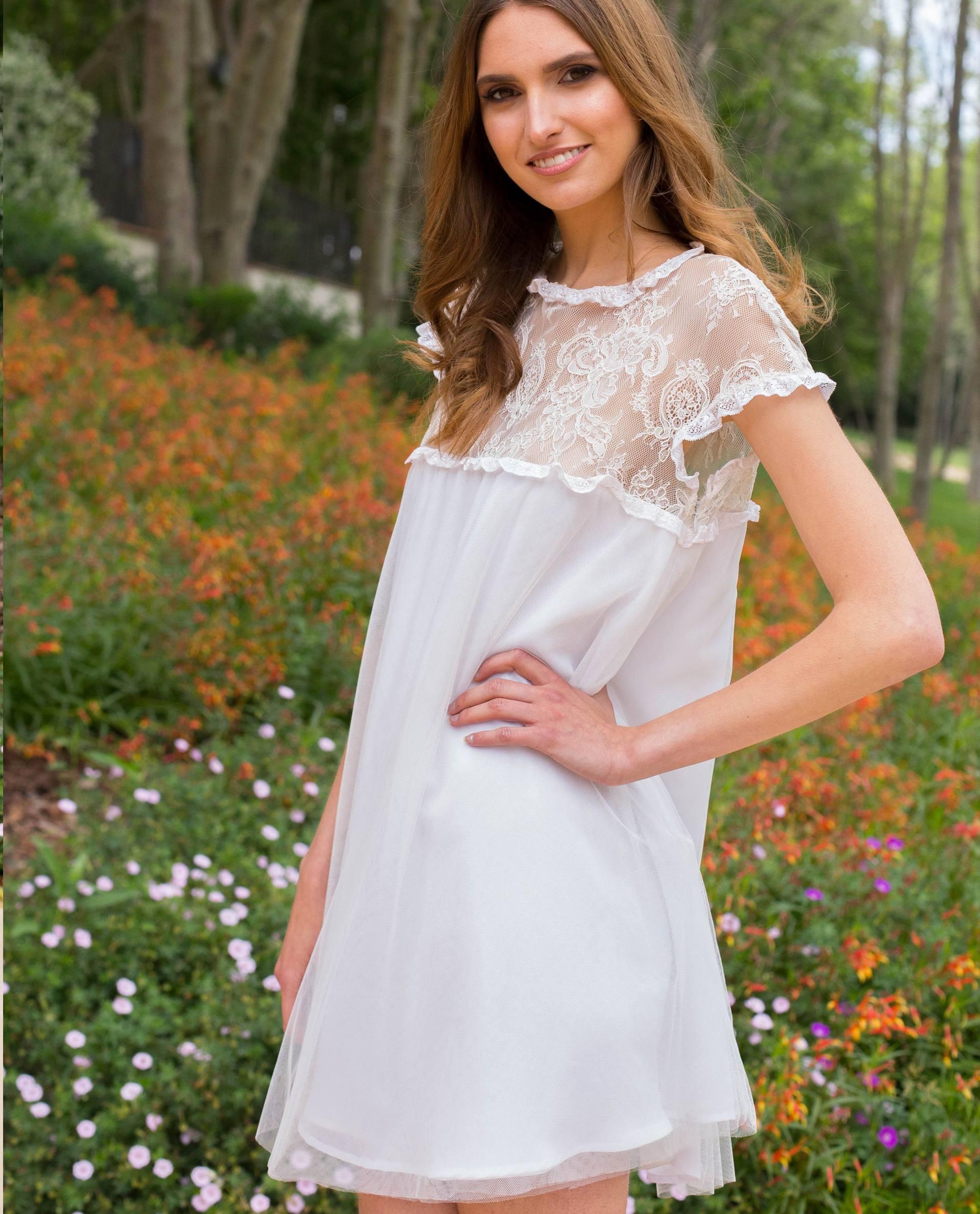 Vestido corto de novia Charlotte