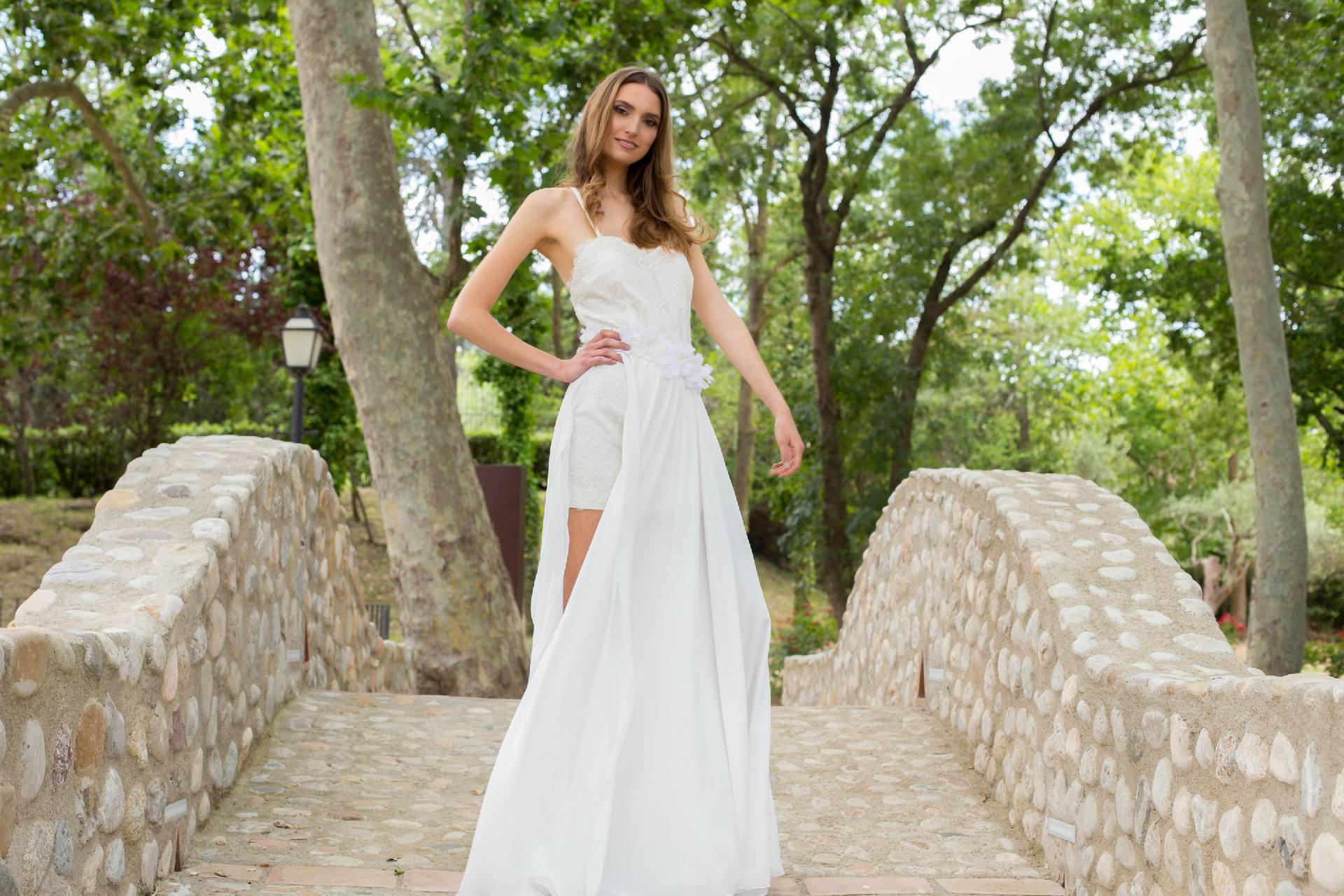 Sobre falda novia Auril