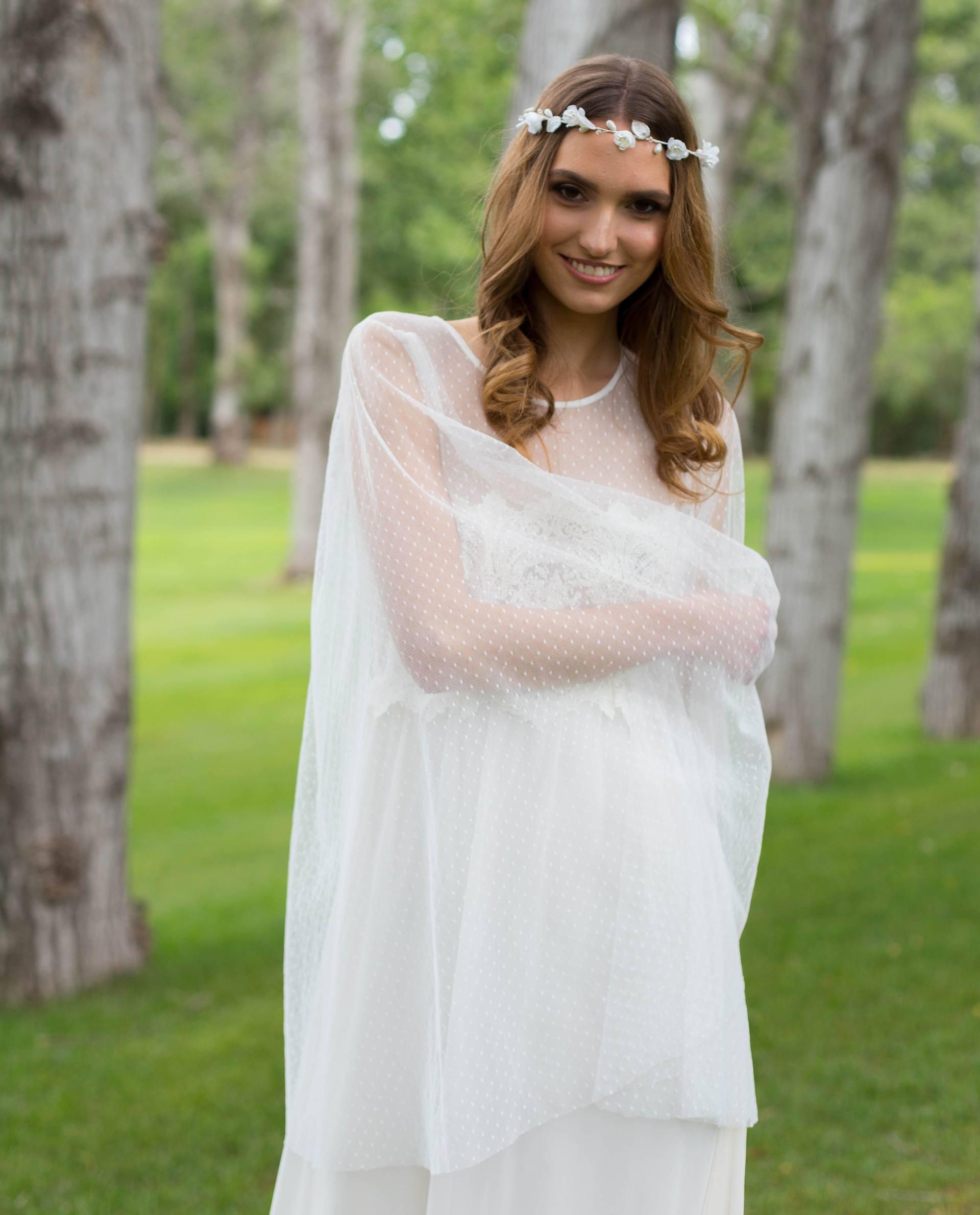 Detalle vestido de novia Eril con mangas amplias en plumeti
