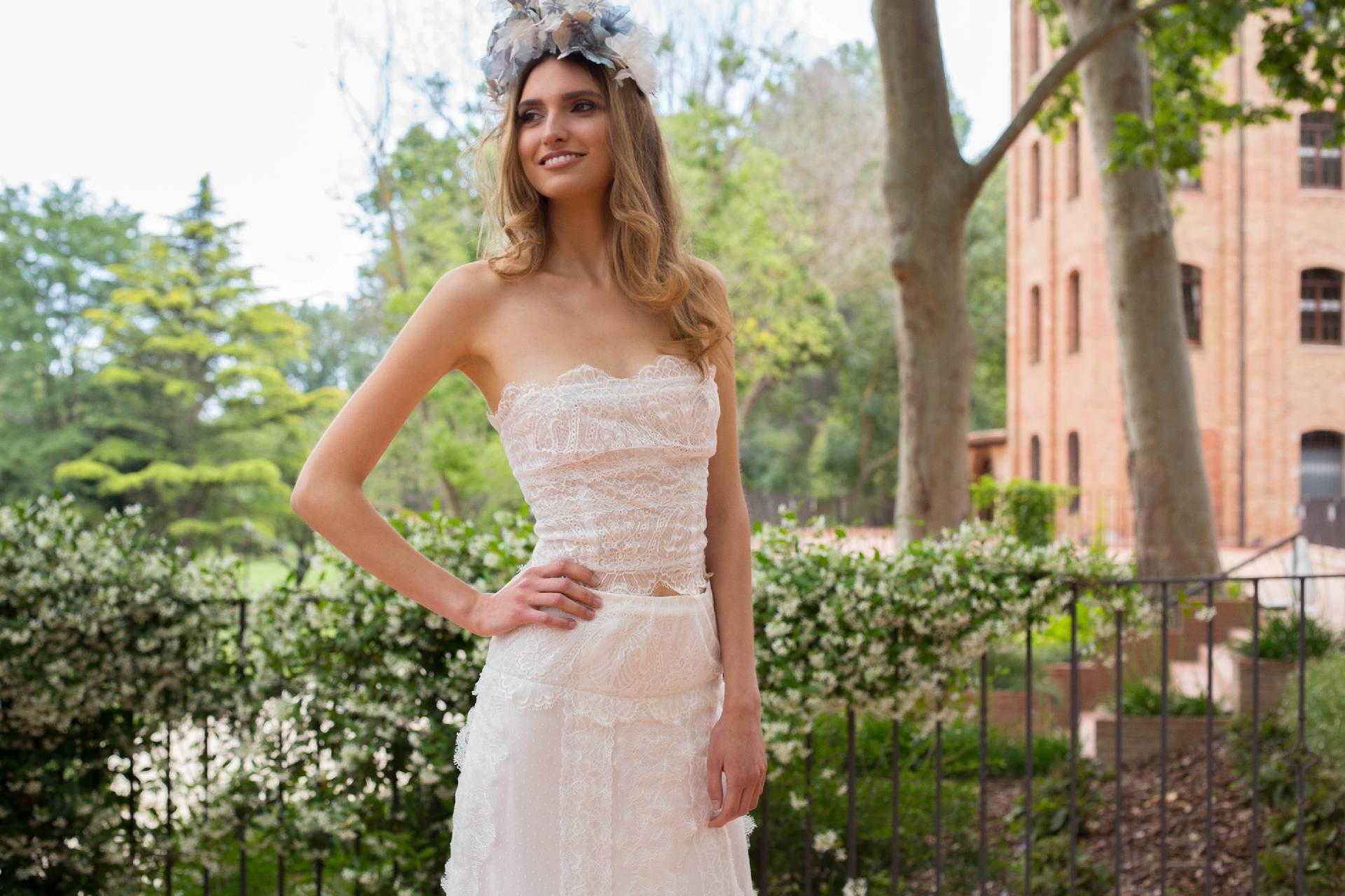 Cuerpo de encaje con escote corazón vestido de novia IO