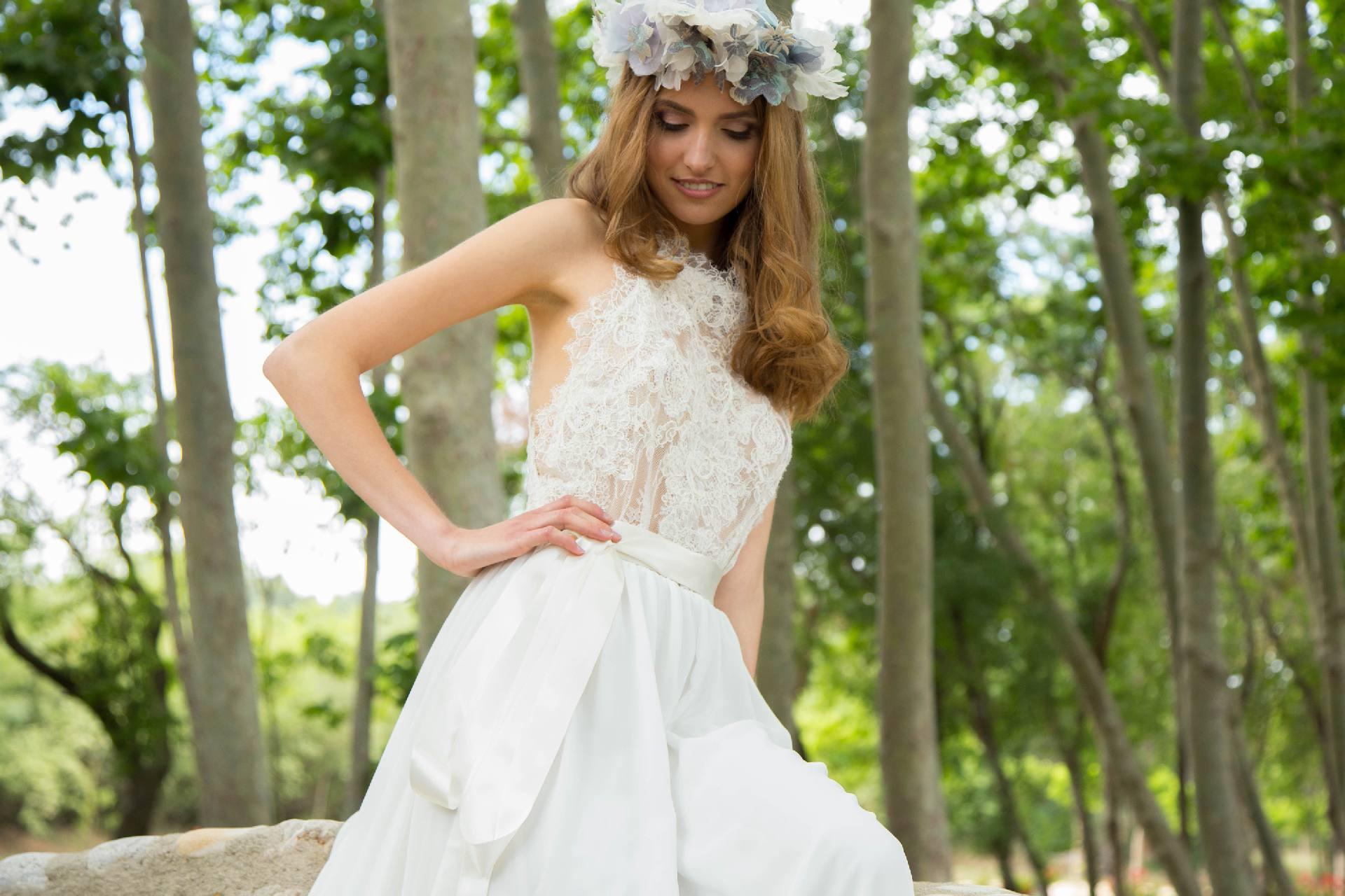 Vestido de novia Elda cuerpo de encaje y espalda abierta